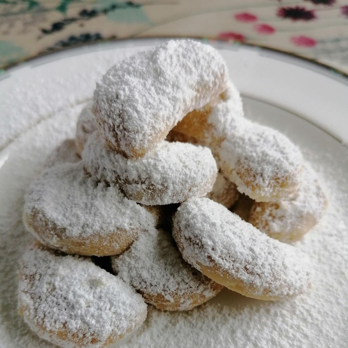 Indonesian snow white cookies - Kue Putri Salju