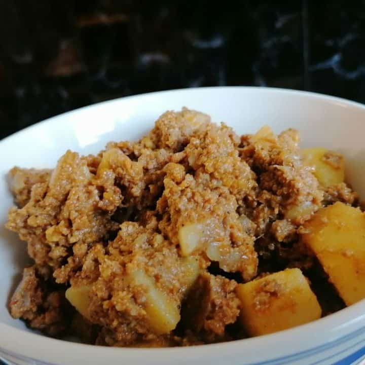 Aloo keema - minced meat and potato curry