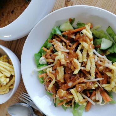 Asinan Jakarta - crispy salad with tamarind and peanut sauce