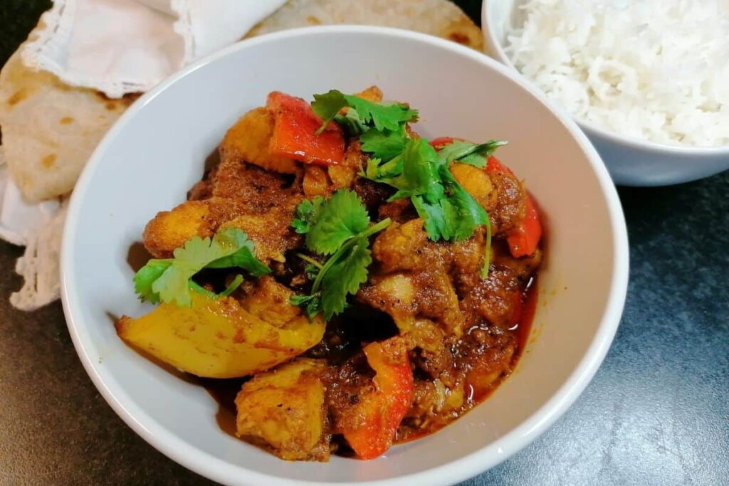 Pakistani chicken and peppers curry