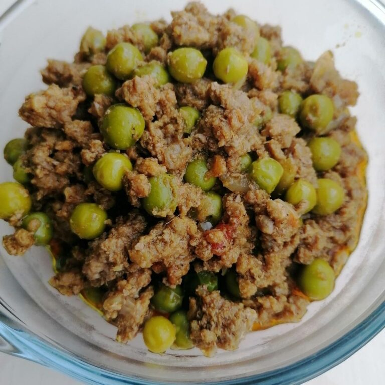 Lamb Keema Matar: lamb minced meat with green peas curry