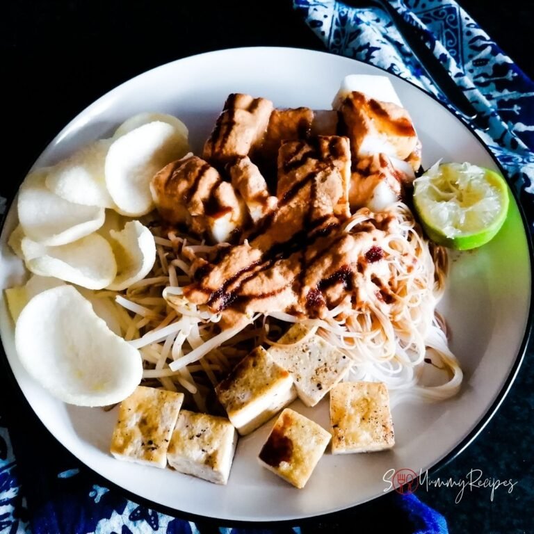 Ketoprak Jakarta recipe: beansprouts, vermicelli, and tofu salad with peanut sauce
