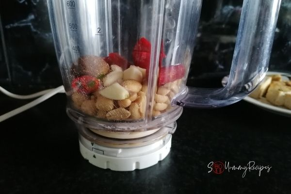 roasted peanuts, chillies and garlic in a blender