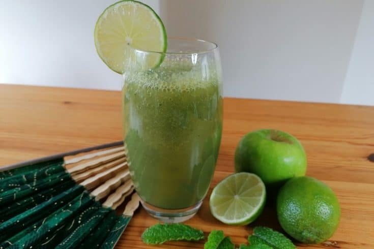 Cucumber apple mint green smoothie