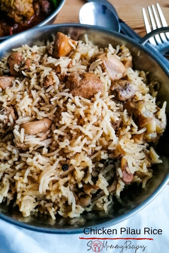 chicken pilau rice with overlay text