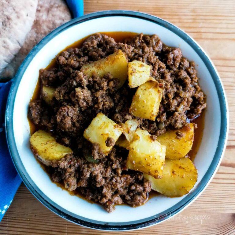 Pakistani aloo keema: minced meat and potato curry